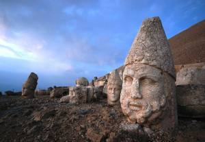 Nemrut Dağ - Heads of Statues