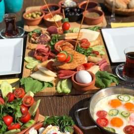 Motto Breakfast