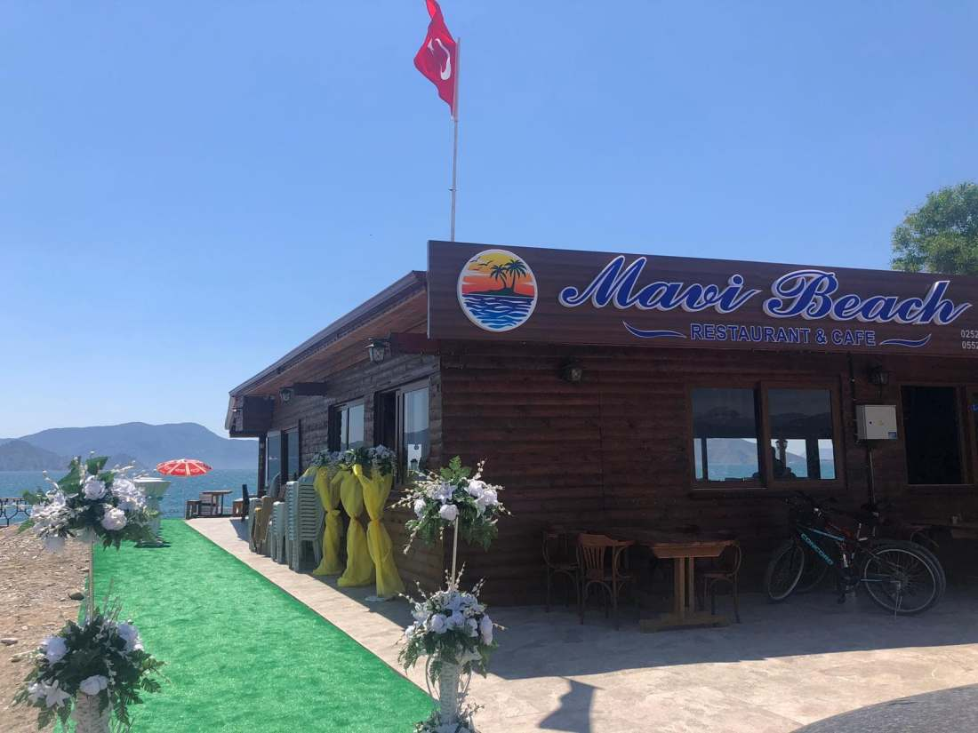 Mavi Beach Restaurant & Bar